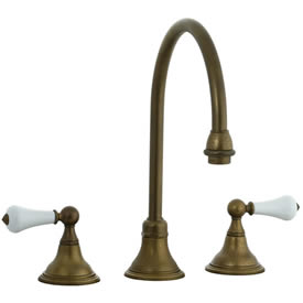 Cifial 272.230.V05 - Asbury Porcelain Lever Kitchen Widespread Faucet without spray - Aged Brass
