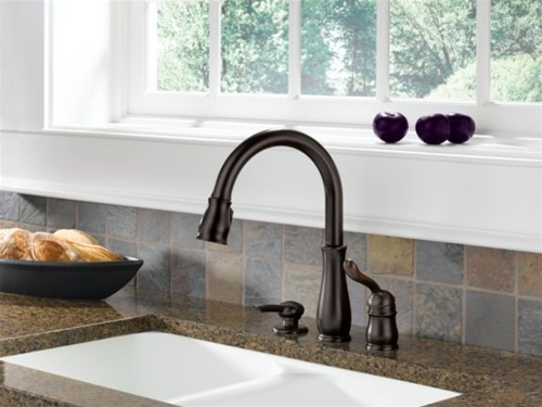 Delta Leland Single Handle Pull Down Kitchen Faucet With